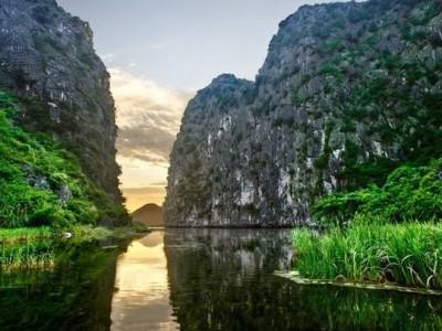 Hoa Lu - Tam Coc in VietNam