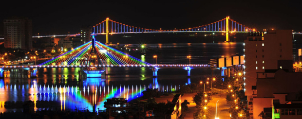 danang at night