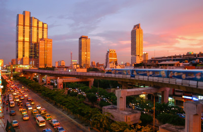 Bangkok skytrain sunset - Thailand tour