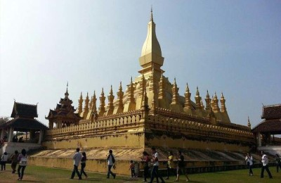 great sacred stupa pha that luang - Laos tour